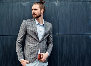 Read more about the article THE BEST MAN BUNS 2021